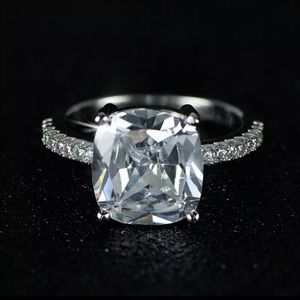 Jewelry - 8 carat 925 Sterling Silver CZ Ring